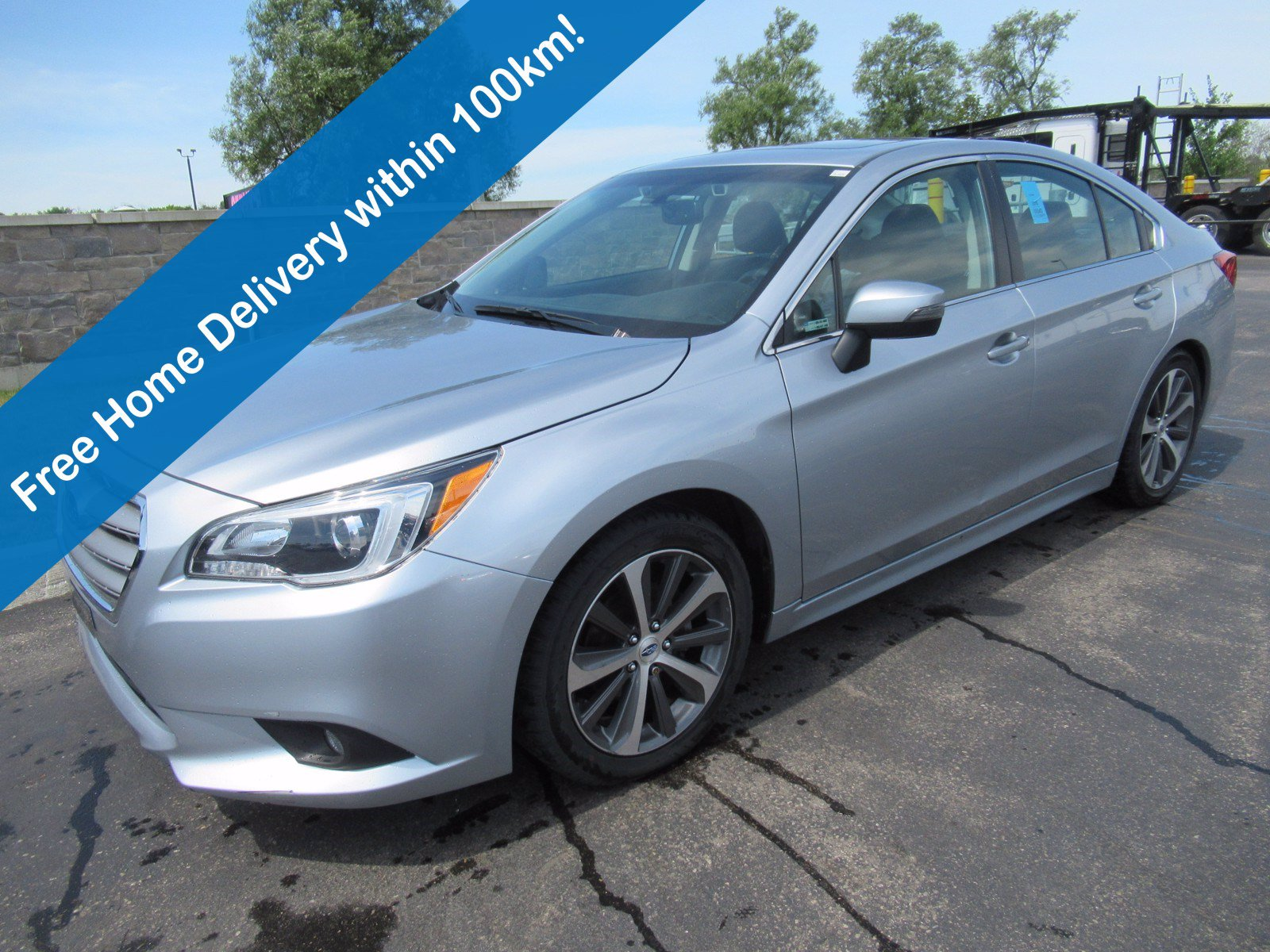 Certified Pre-Owned 2016 Subaru Legacy 2.5i AWD w/Limited & Tech Pkg, Leather, Navigation, Sunroof, Park Assist, Alloy Wheels & More!
