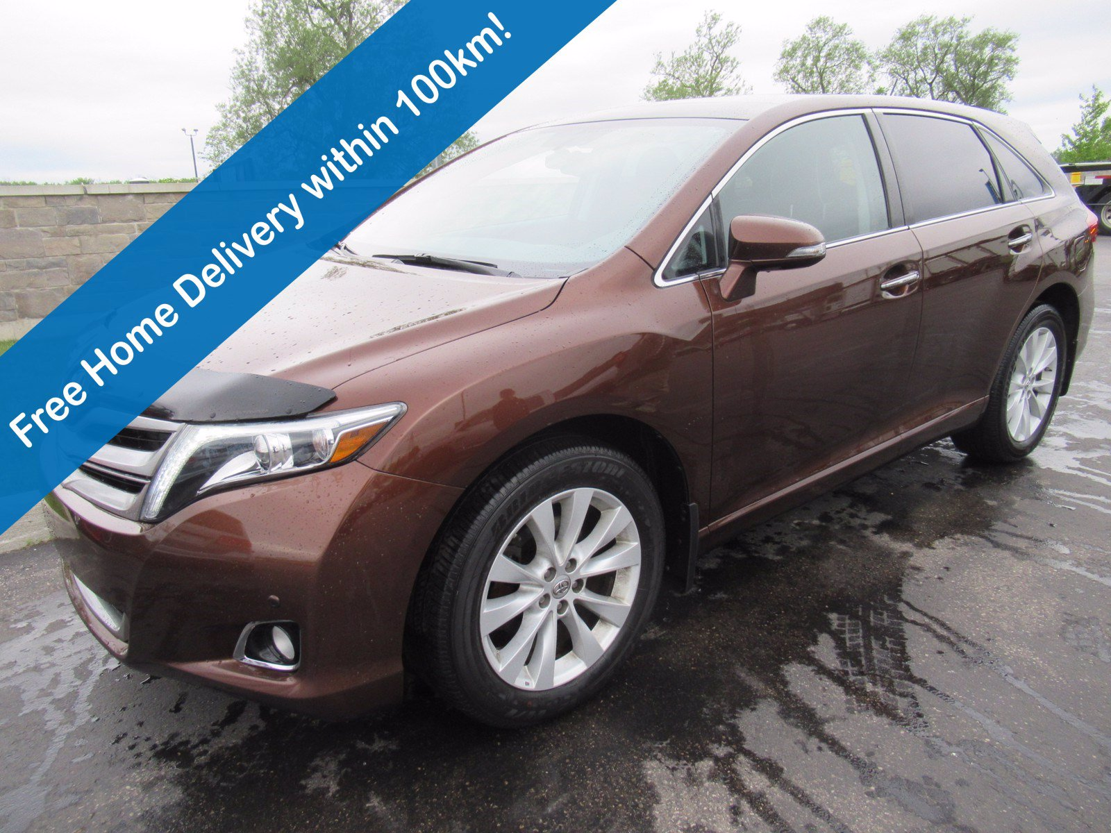 Certified Pre-Owned 2015 Toyota Venza Limited AWD, Leather, Sunroof, Navigation, Heated Seats, Power Liftgate, Alloy Wheels & More!