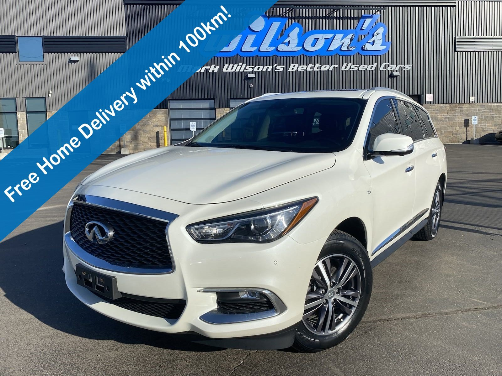 Certified Pre-Owned 2018 INFINITI QX60 Leather, Sunroof, Navigation, New Tires, Heated + Memory Seat, 360 Camera, Heated Steering and more!