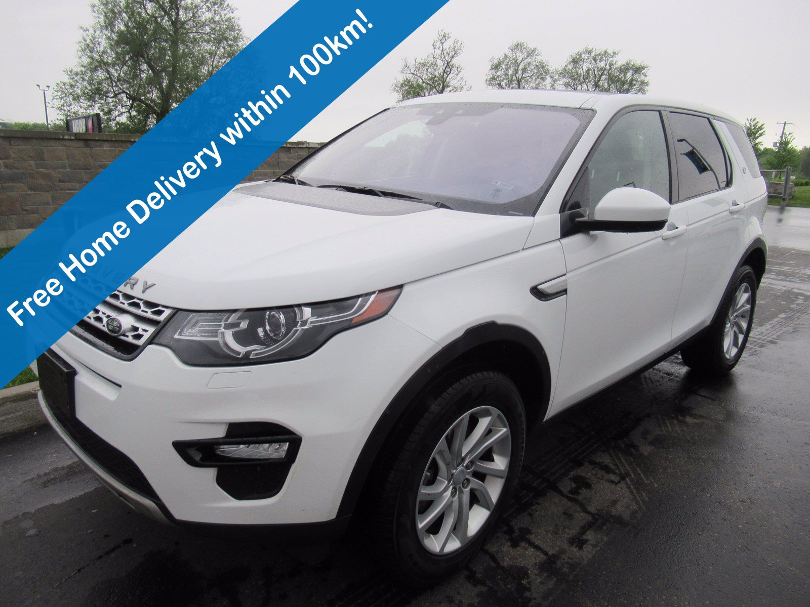Certified Pre-Owned 2019 Land Rover Discovery Sport HSE AWD, Leather, Glass Roof, Park Sensors, Rear Camera, Bluetooth & More!