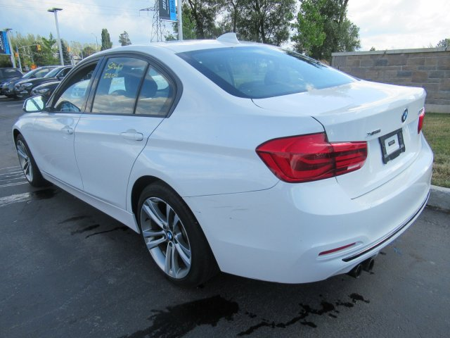 Certified Pre-Owned 2018 BMW 3 Series 330i xDrive Sportline AWD –  Navigation, Sunroof, Rear Camera, Bluetooth, Cruise Control and more!